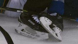 Hokejista zaútočil na rozhodčího