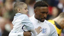 Nemocný Bradley Lowery nastupuje s anglickými fotbalisty