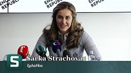 Šárka Strachová na tiskové konferenci v Praze