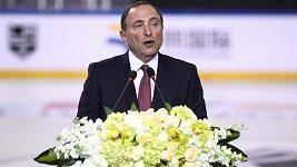 Komisionář NHL Gary Bettman v Pekingu