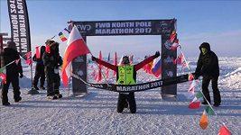 Maraton na severním pólu vyhrál Polák Suchenia