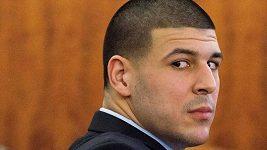 Aaron Hernandez se oběsil v cele