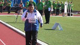 Závod na 100 metrů vyhrála indická prababička