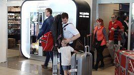 Čeští hokejisté se vrátili domů z mistrovství světa