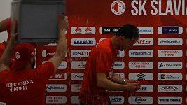 Hráči Slavie zlili na tiskovce trenéra Šilhavého