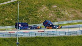 Verstappen a Ricciardo zapřáhli karavany