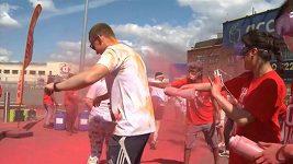 Týden po teroristických útocích se v Londýně uskutečnil barevný běh