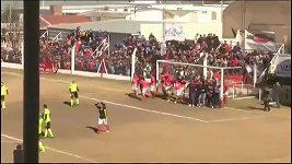 Bizarní gól hvězdy Juventusu.