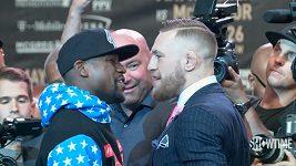 """První """"tisková konference"""" před duelem Mayweather vs. McGregor pro 20 tisíc diváků"""