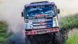 Automobily na Silk Way Rally v 6.etapě