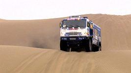 Sestřih kamiónů ve 12. etapě Silk Way Rally