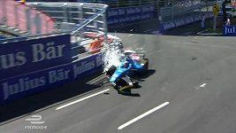 Bývalý pilot F1 měl děsivou nehodu