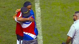 Ronaldinhovo gesto při exhibici v Kostarice