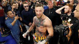 Conor McGregor to rozbalil před novináři