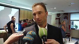 Milan Hnilička míří také do politiky. Půjde spojit funkce politická s tou hokejovou?