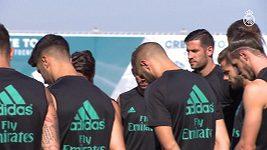 Hráči Realu Madrid uctili na tréninku minutou ticha památku obětí teroristického útoku v Barceloně