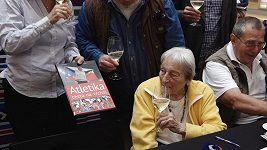 Dana Zátopková slaví 95. narozeniny