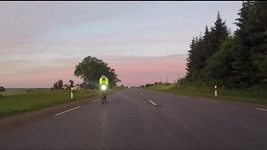 Cyklista na cestě prožil muka. Plival krev