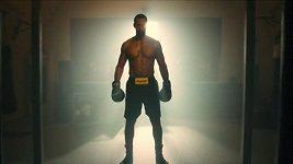 Bývalý fotbalista Rio Ferdinand zahájil boxerskou dráhu
