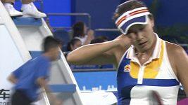 Kvitová při zápase s Číňankou Pcheng Šuaj mlátila s raketou