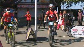 V Indii odstartoval 650 km dlouhý cyklistický závod přes Himálaje