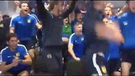 Fotbalisté španělského týmu Fuenlabrada se radují z losu