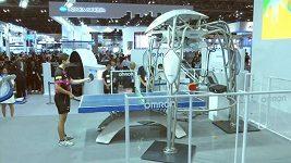 Olympijský medailista ve stolním tenise si zahrál pingpong proti robotovi
