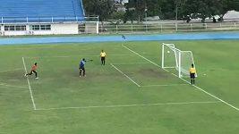 Kuriózní penalta v Thajsku