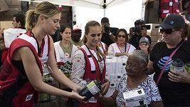 Puigová s Šarapovovou pomáhají zničenému Portoriku