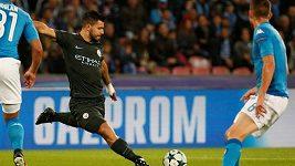 Fotbalisté Neapole rozjetý Manchester City v Lize mistrů nezastavili