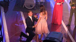Adam Sebastian Helcelet požádal Denisu Rosolovou o ruku