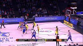 EL basketbalistů - 19. kolo: Anadolu Efes - Fenerbahce. Jan Veselý zaznamenal 12 bodů