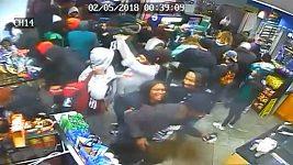 Fanoušci Philadelphie po vítězství v Super Bowlu vyrabovali obchod