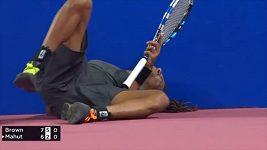 Tenista musel vzdát zápas kvůli bolestem zad