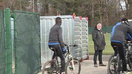 Fotbalisté Basileje vyrazili před bojem s Manchesterem City na trénink na kole