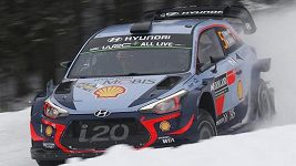 Neuville vyhrál švédskou rallye
