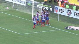Deset vyloučených v brazilském derby