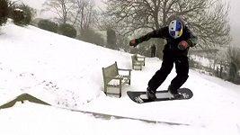 Bronzový olympijský medailista Morgan se proháněl po zasněženém Essexu na snowboardu