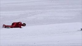Děsivý pád při pokusu o lyžařský rekod