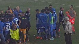 Fanoušci na Kypru zranili při fotbale doktora