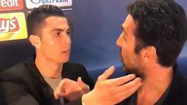 Ronaldo a Buffon