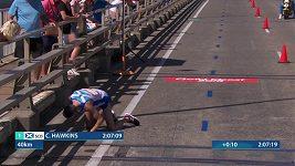 Maratonec Callum Hawkins přišel o triumf na Hrách Commonwealthu kvůli kolapsu v závěru.