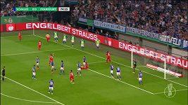 Sudí v semifinále německé pohárové soutěže udělil červenou kartu na základě videa