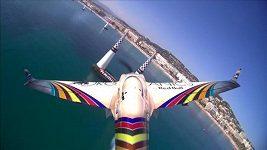 Red Bull Air Race v Cannes vyhrál Australan Hall