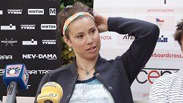 Eva Samková řeší další zranění. Nejen ramena, už i kotník.