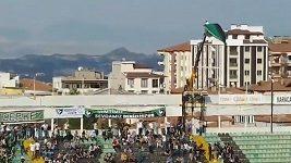 Fanoušek v Turecku svérázně obešel zákaz návštěvy stadiónu