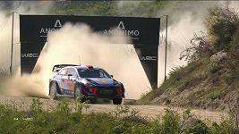 Thierry Neuville vyhrál Portugalskou rallye a v čele MS vystřídal Francouze Ogiera