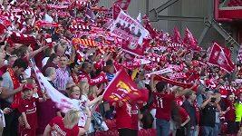 Fanoušci Liverpoolu sledují finále Ligy mistrů doma na Anfield Road.