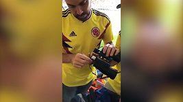 Kolumbijec propašoval na MS alkohol v dalekohledu