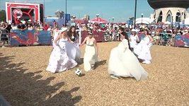 Nevěsty si v Moskvě zahrály fotbal